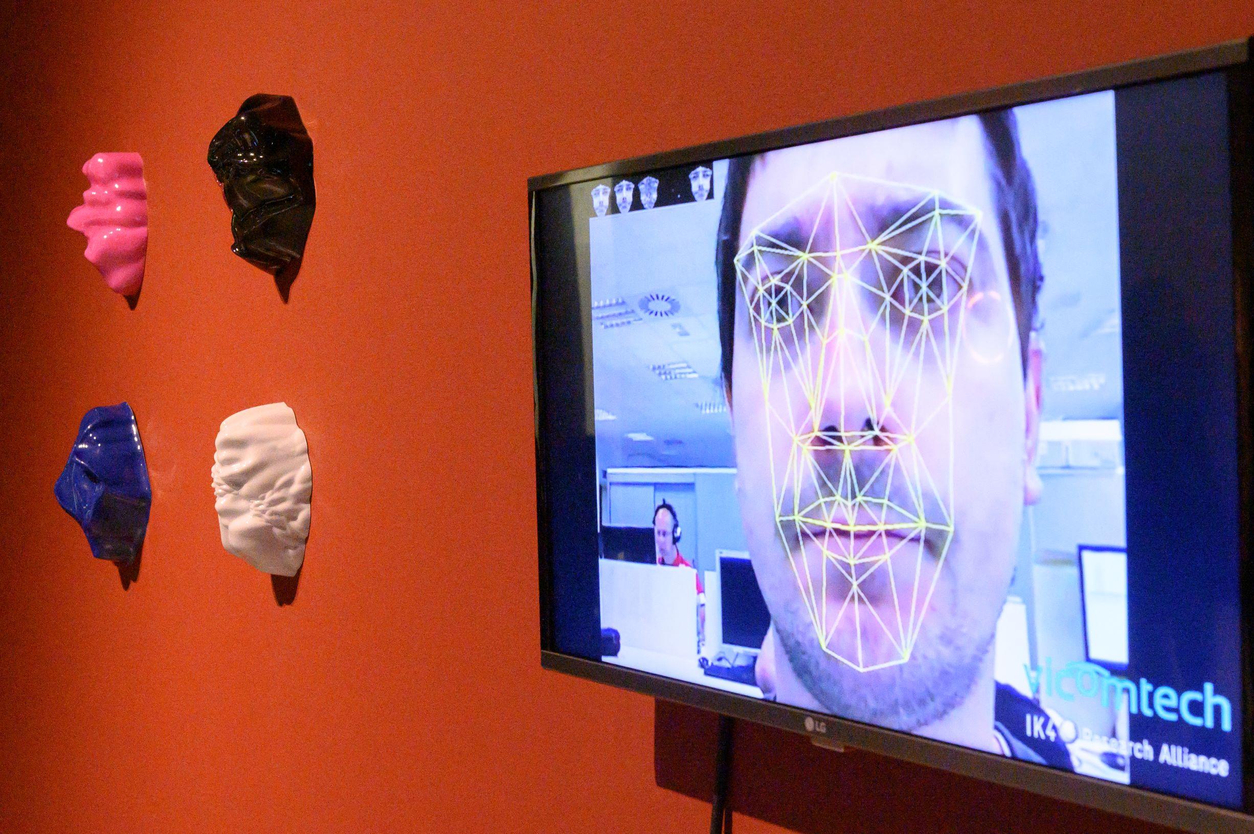 Zach Blas in Design Museum Den Bosch. Tentoonstelling BodyDrift. Foto Ben Nienhuis
