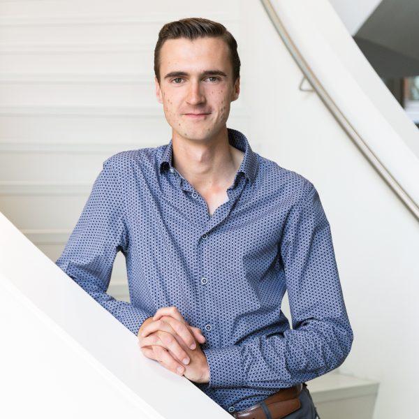 Portret Tomas van den Heuvel
