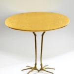 Meret Oppenheim, Tisch mit Vogelfüßen, 1939. Collectie Galerie Levy Hamburg. co Pictoright Amsterdam 2021
