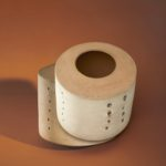 Lucio Fontana, 'Concetto spaziale', ca. 1958, Collectie Design Museum Den Bosch. Fotografie Blommers/Schumm, 2021